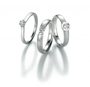drie solitaire ringen