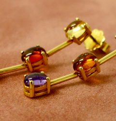 Earrings gold gemstones